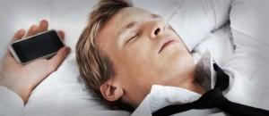 bahaya smartphone dibawa tidur